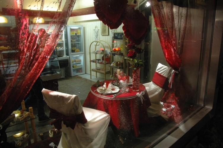 Deux laur ats de la st valentin rtn votre radio r gionale for Decoration vitrine saint valentin
