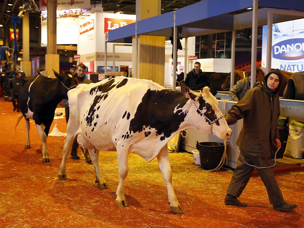 Fran ois hollande chahut au salon de l 39 agriculture rtn for Francois hollande salon de l agriculture